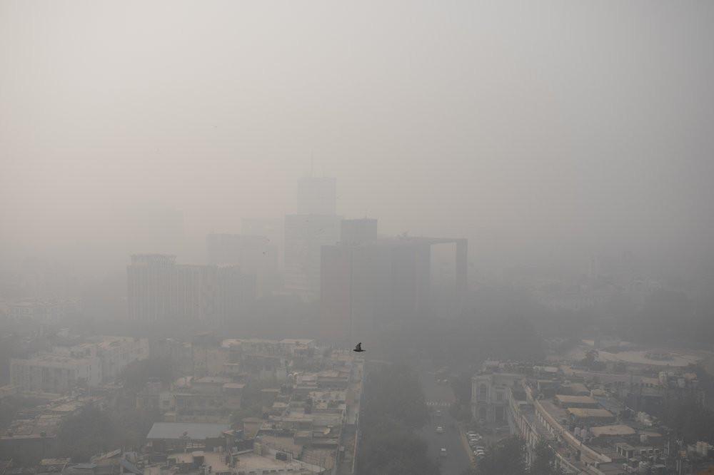 Smog envelopes the skyline in New Delhi, India, Wednesday, Nov. 4, 2020.