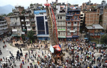 Locals start pulling Rato Machchhindranath chariot defying prohibitory orders